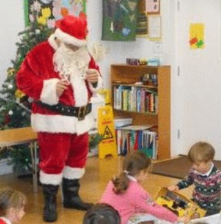 A few images from the Infant Christmas Party